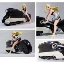 Salty Rei Rose & Bike (black) Pvc Beeld 1/20 Schaal